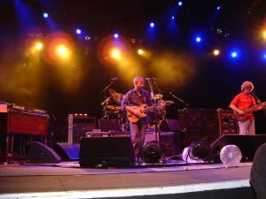 "Phish performing ""Boogie On.."" at Alpine Valley (6/26/2004)."